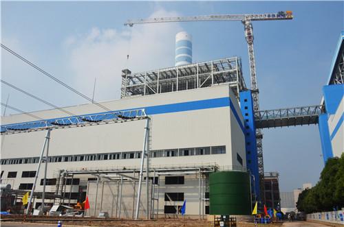 芜湖百万:3号锅炉电梯井钢结构安装完成